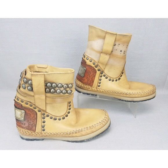 Karma Of Charme Leather Studded Moccasins Boots